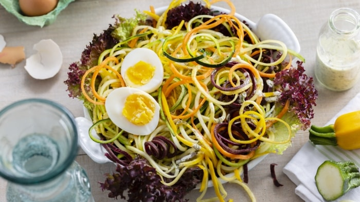 Spiralized Rainbow Salad